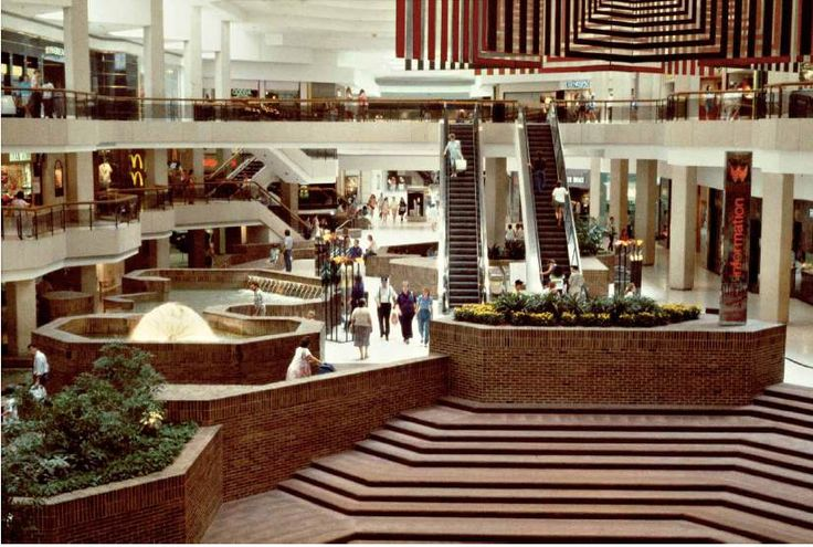 Photos: Shopping Malls in the 1980s | New Republic