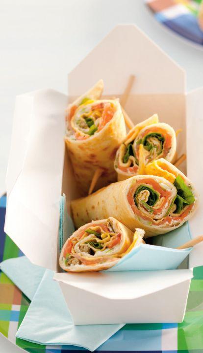 Superlekker als lunch of als tussendoortje: wraps met een omelet, zalm en spinazie. Heb je weinig tijd 's ochtends? Maak het de avond van te voren al! http://www.vriendin.nl/koken/recepten/6783/recept-voor-wraps-met-omelet-en-gerookte-zalm