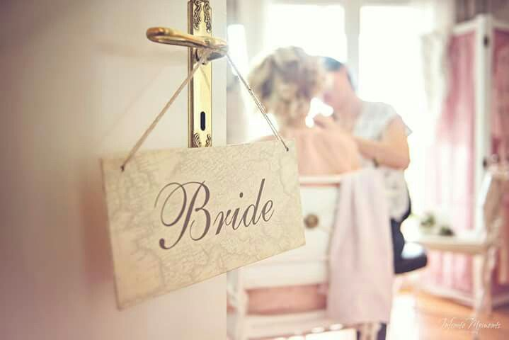 Bride vintage wedding sign - Wedding stationery