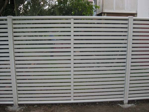 COLORBOND® STEEL Clik'n'Fit® fence with slats and posts in Dune