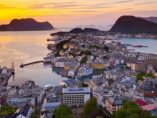 Travel & Adventures: Denmark ( Danmark ). A voyage to Denmark, Europe - Copenhagen (København), Århus, Odense, Aalborg, Esbjerg...