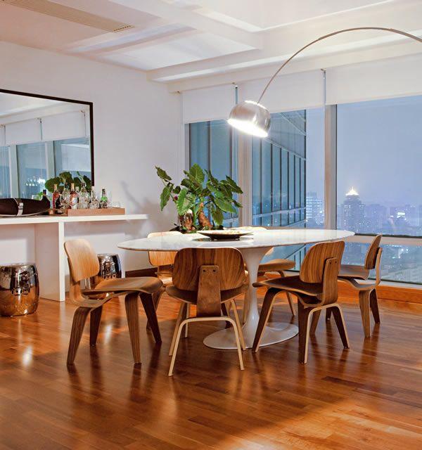Click interiores luminarias de piso para sala de jantar for Piso 0 salas de estudo e atl