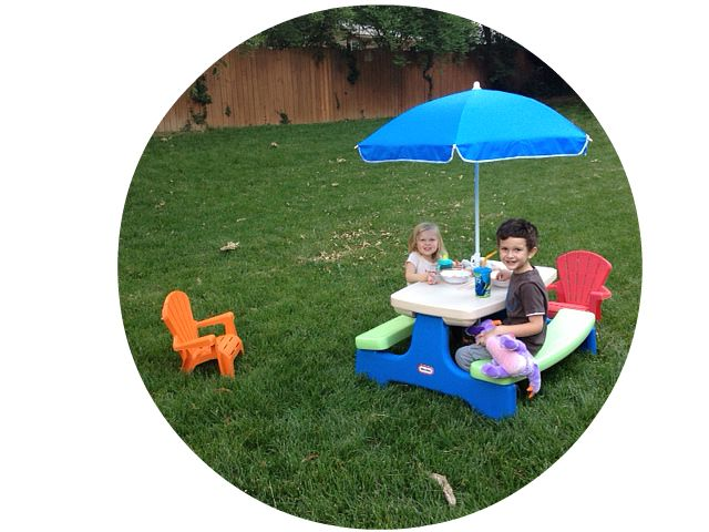 Little Tikes Picnic Table {Giveaway}