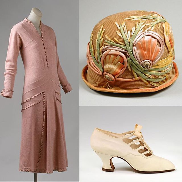 Art of the Dress | @metcostumeinstitute's 1924 #Chanel day dress was the perfect pairing for the floral cloche from @lacma. The outfit is completed with a pair of #PietroYantorny pumps, 1925-1930, also from the Met! #theartofdress #fashionisart #fashionhistory #fashionhistoryisfun #fashion #hautecouture #CocoChanel