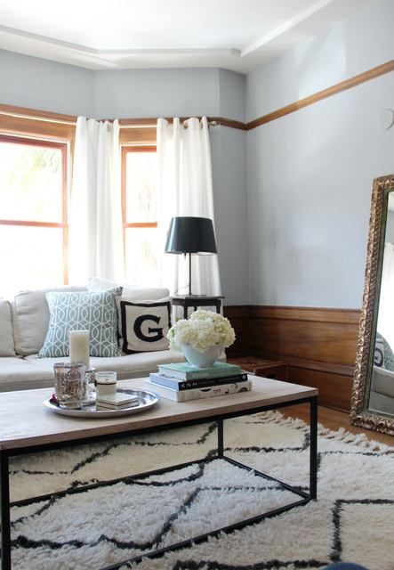 Souk Rug + Box Frame Coffee Table from West Elm via @Apartment TherapyHouse Tours, Bays Windows, Coffee Tables, Glam Families, Apartments Therapy, Living Room, Rob Stylish, Souk Rugs, Families Pads