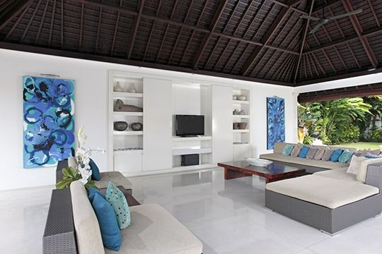 Villa Asante - Open air living area - Canggu
