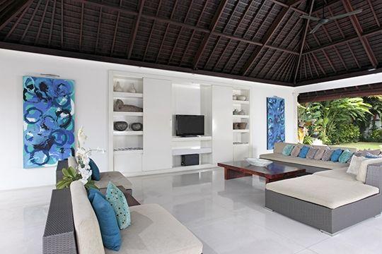 Villa Asante - Open air living area - Canggu