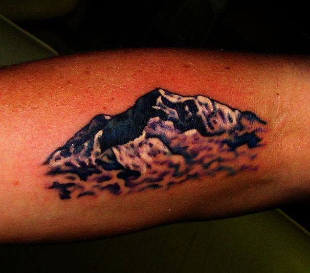 39 best mountain tattoos images on pinterest mountain tattoos design tattoos and piercings. Black Bedroom Furniture Sets. Home Design Ideas