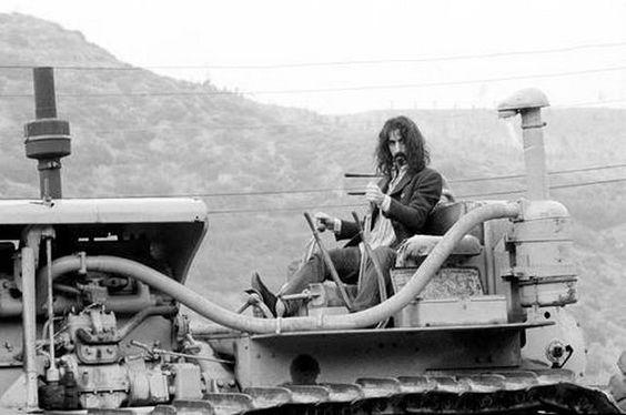 Frank Zappa, en Laurel Canyon, Los Ángeles, en mayo de 1968