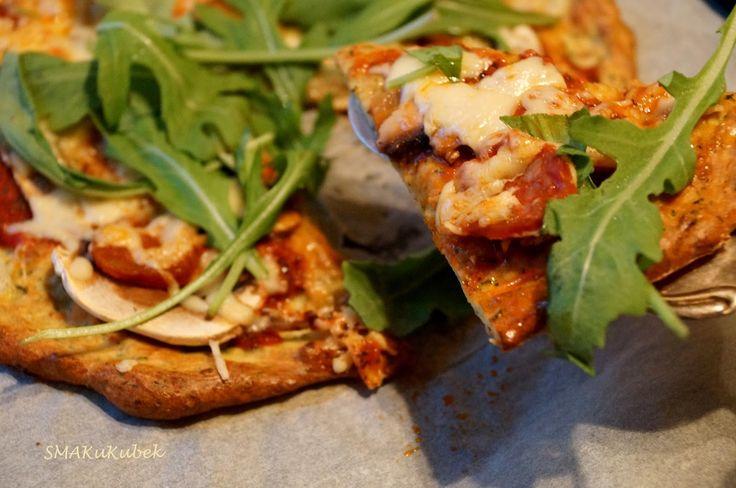 SMAKuKubek: Pizza na cukiniowym spodzie