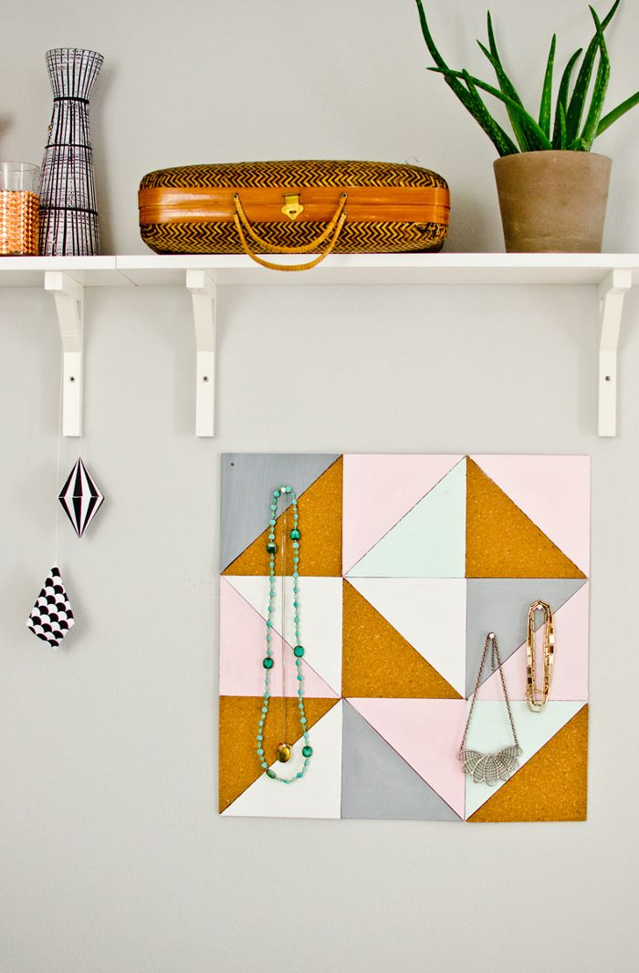 DIY geometrisches Schmuckboard // DIY geometrical jewellery board via blog.dawanda.com