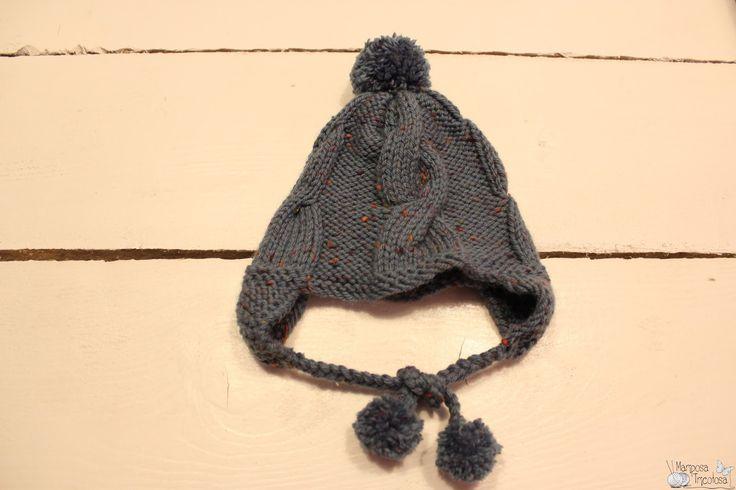 kit gorro con orejeras tejido con lana merino tweed de katia. Incluye todo el material necesario.