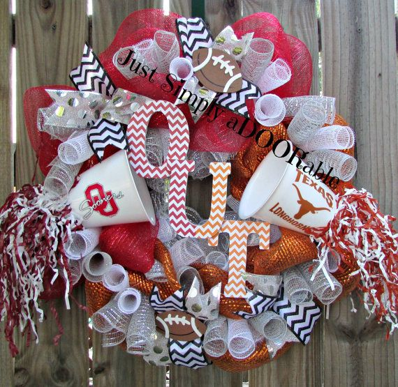 House Divided OU and UT Wreath by JustSimplyaDoorable on Etsy - while I'm neither OU or UT, this is a pretty cute idea!