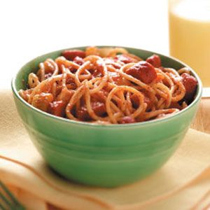 Chili Spaghetti with hot dogs. I am going to mak ethis but with the spaghetti through hotdogs. For kid dinnner on sleep over.