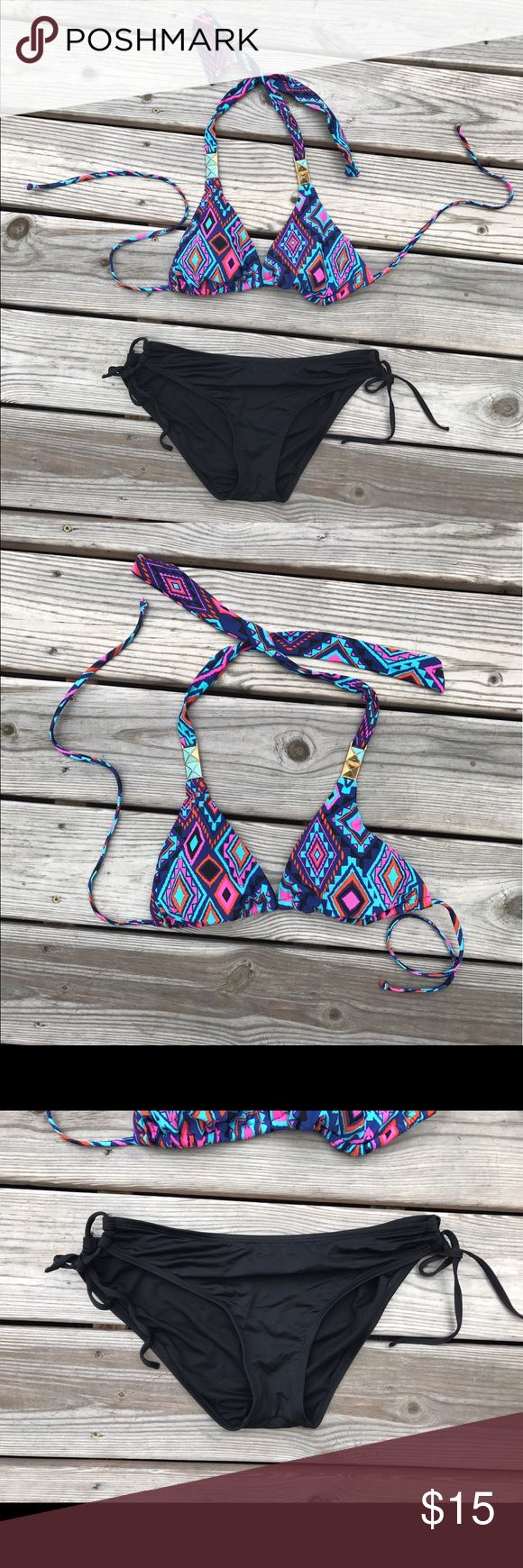 Aztec Bikini top & black bottoms Great condition. No snags, stains, or piling. Can be sold separately or matched with a different bikini from my listings! Mossimo Supply Co Swim Bikinis