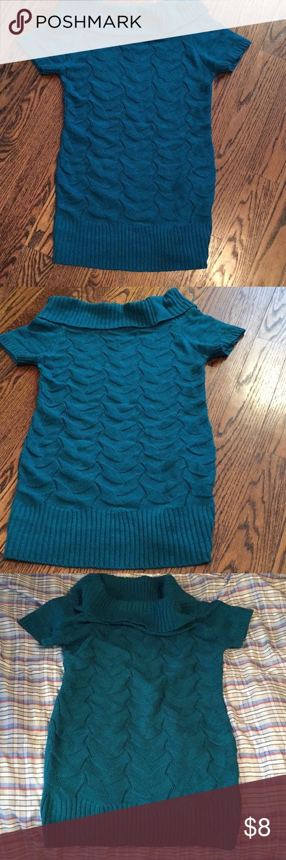 SHORT SLEEVED SWEATER/TUNIC Beautiful blue-teal green color Tags says size Large from Deb shop but I say it's a m-l depending on how you want to wear it Deb Dresses Mini