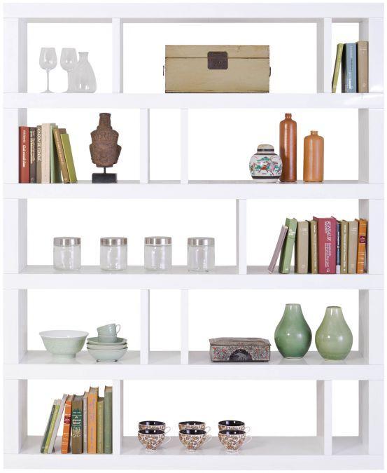 Roomdivider Zen is een eye-catcher van Italiaanse komaf. Dit meubel uit de Cantomobili-collectie is voorzien van hoogwaardig witte hoogglans, wat het strakke ontwerp nog eens benadrukt. Met deze roomdivider breekt u in stijl een grote ruimte, of u gebruikt dit meubel als wandopstelling. Alles is mogelijk!