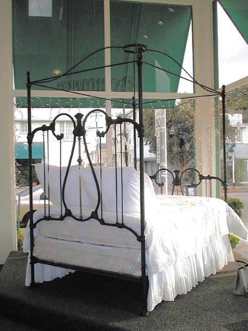 17 Best Images About Iron Beds On Pinterest Iron Bed