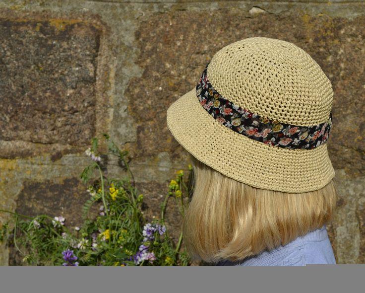 Шляпа из рафии