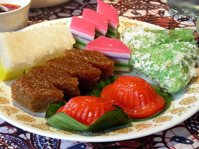 kue jajan pasar by Satya W, via Flickr