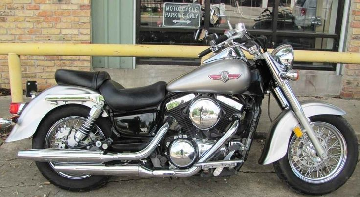 Used 2005 Kawasaki VULCAN 1500 CLASSIC Motorcycles For Sale in Texas,TX. This used cruiser is in great condition with good tires, brakes and a flawless power-train. Come see just how clean this used street-bike really is! Timeless style, the torque of a big V-twin engine make the Vulcan® 1500 Classic one of Kawasaki's most popular cruisers. The 1500 Classic owner has the ability to create a motorcycle that is truly unique to his or her personality. Beginning with its V-twin engine, the 1500…