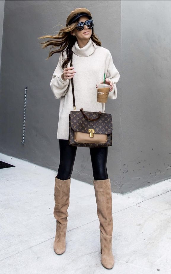 b9e1cdc75da 17 Trendy winter street style outfits and outfit ideas to step up your game  this fall and winter  White tunic with baker boy hat and Louis Vuitton bag.