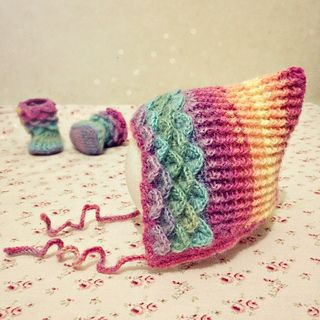 Oh so lovely! Free Crochet Pattern: Crocodile Pixie Hat by Pia Thadani