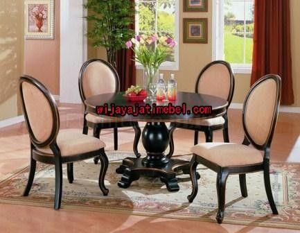 set kursi meja makan bulat ini mempunyai ukuran yang standar kursi dan meja makan produk mebel jepara. set kursi makan minimalis dijual dengan harga yang murah
