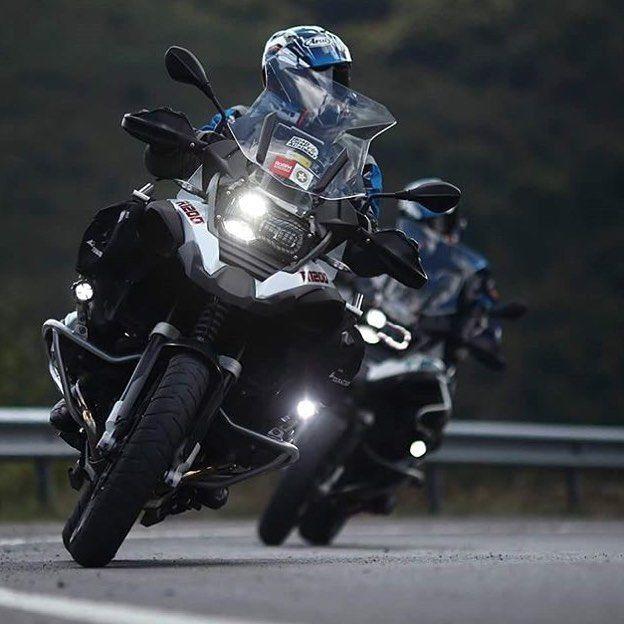 """2,378 """"Μου αρέσει!"""", 8 σχόλια - Dual Sport Panama (@dualsportpanama) στο Instagram: """"La MaxiTrail por excelencia ideal para la aventura, BMW R1200GSA Repost @1000motorcu1000cocuk…"""""""