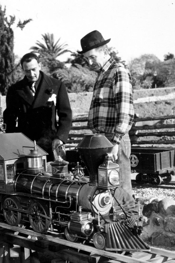 Salvador Dali & Walt Disney: Salvador Dali, Walt Disney, Waltdisney, Toys Training, Salvadordali, Vintage, Art, Salvador Dali, Rare Photos