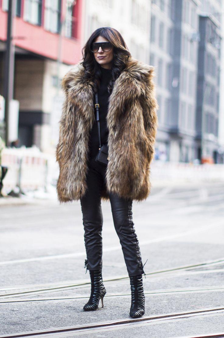 OUTFIT | BERLIN FASHION WEEK STREETSTYLE: WEARING FREE PEOPLE FAUX FUR Fashionlandscape waysify