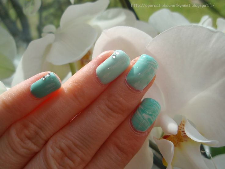 KBS Shimmer A Touch Of Glass, Gina Tricot Shimmer Mint, Gina Tricot Turquoise & Essence Hey That's What I Mint!