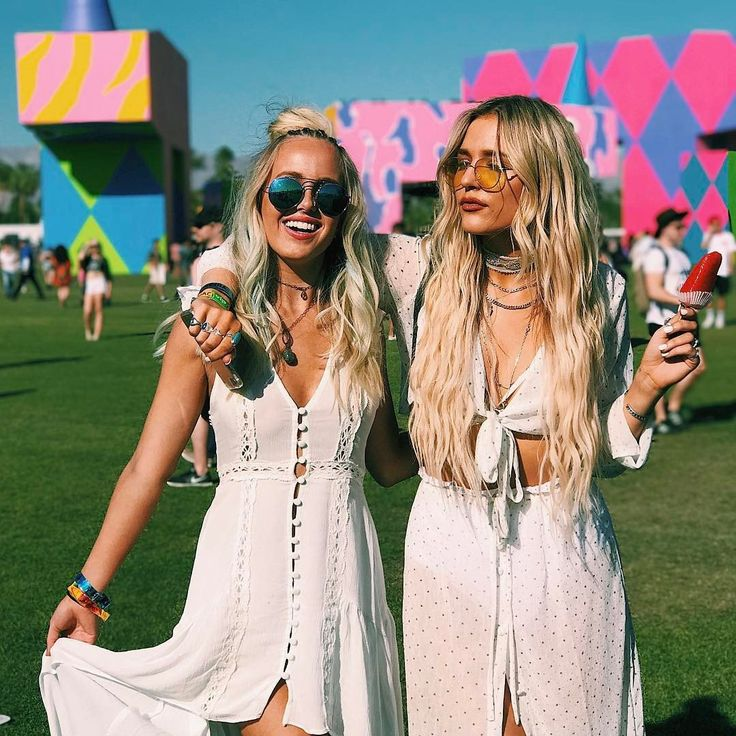 Each year,at the world's trendiest festival — Coachella, celebrities and fashionists can always push festival style to next level. This year, Kendall and Kylie