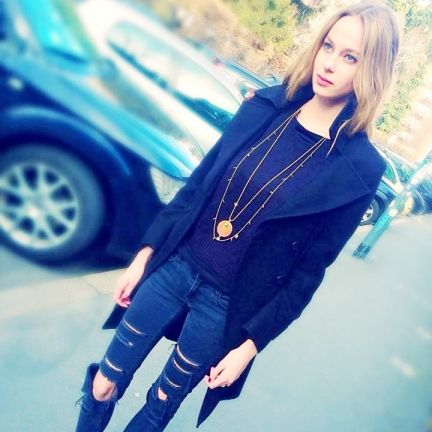 Natanè with Martina Laukova, model – White Trade Show, Milan Italy – Planet necklace orange color and Arrow golden necklace. #necklace #collane #colors #orange #gold #woman #fashion #style #outfit #swarovski #jewel #bijoux #arangione #oro #model #girl #natanè