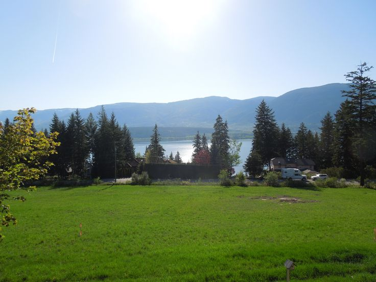 View of #ShuswapLake from Green Emerald Estates #GreenEmeralEstates  #GreenEmeraldInc  #SalmonArmViewLots  #BCBuildingLots  #LotsForSale  #BuildingLotsForSale #ViewLots  #DreamHome #CustomHomes #SalmonArm #Shuswap  www.greenemeraldinc.com