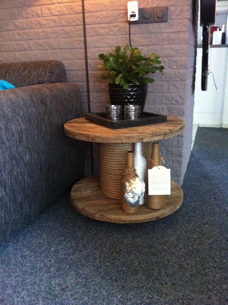 die besten 25 haspel ideen auf pinterest kabelrolle palettentisch rustikal und seitentisch. Black Bedroom Furniture Sets. Home Design Ideas