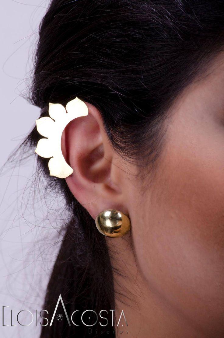 Ear Cuff modelo Primeraflor, Topos modelo Domo en Bronce!! #EarCuff #Aretes #MuyEloisa Todas las piezas se realizan también en Plata ley 950 por encargo