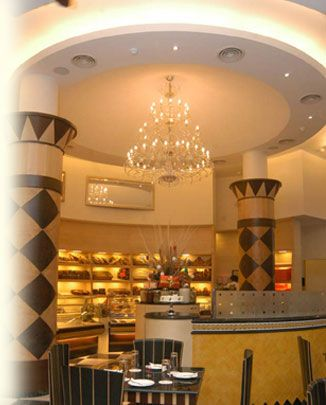 Flurys - sunday brunch in kolkata  There are lot many restaurants serving Sunday brunch in Kolkata. If you wish to have a relaxed Sunday with your family, you can choose any of the restaurants listed below and have a sumptuous buffet. These restaurants can boast of offering the top recommended brunches in Kolkata.
