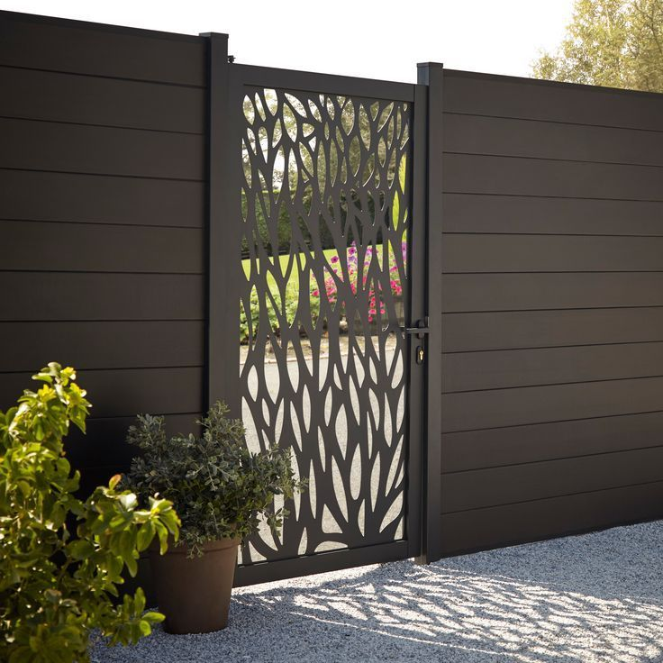 13 Garden Fence Design Ideas Real Homes Looking For Inspiring Garden Fence I Modern Design Fence Design Garden Fence Backyard Fences