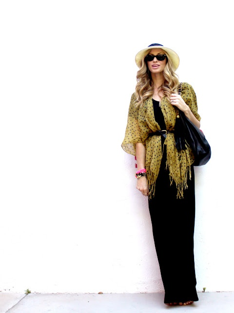 Fab way to wear a printed scarf!Long Dresses, Scarf Style, Maxi Dresses, Fashion, Clothing, Belts Scarf, Black Maxi, Maxis Dresses, Prints Scarf