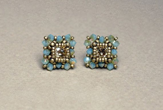 Beadwoven ring tutorial. Make a fashionable, lovely looking pair of earrings using Swarovski 6mm chatons, 3mm bicones and round Miyuki seed beads.