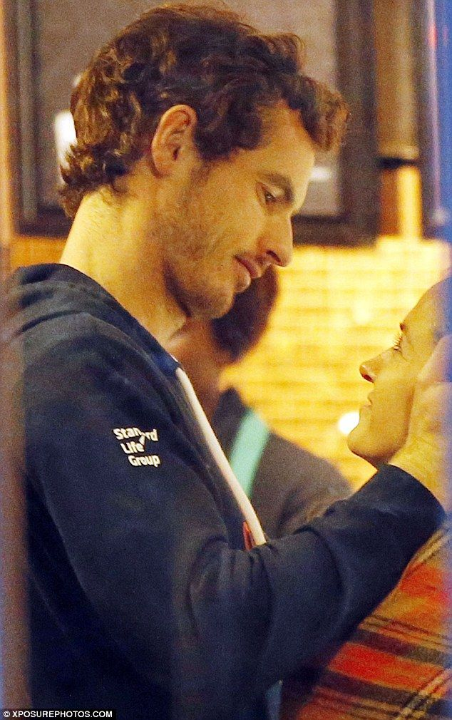 Andy Murray Shares Affectionate Kiss With Girlfriend Kim