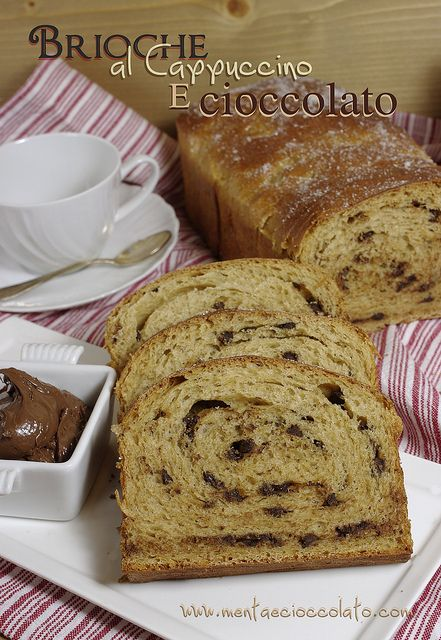 Gennaio #Vogliadi #cioccolato  Brioche al Cappuccino e cioccolato - Chocolate and cappuccino brioche: Brioche Al, To Try, Cappuccinos Brioches, Chocolate, Al Cappuccinos, Leavened Cakes, Brioches Al, Chocolate, Cioccolato Brioches