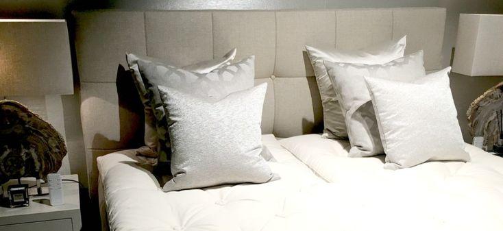 http://leemwonen.nl/interieur-i-slaapkamers-luxe-bedden-uit-eigen-fabriek-een-kijkje-achter-de-schermen-bij-diks-bedmakers/ #bedden #beds #slapen #slaapkamer #bedroom #bed #boxspring #interior @swisssense
