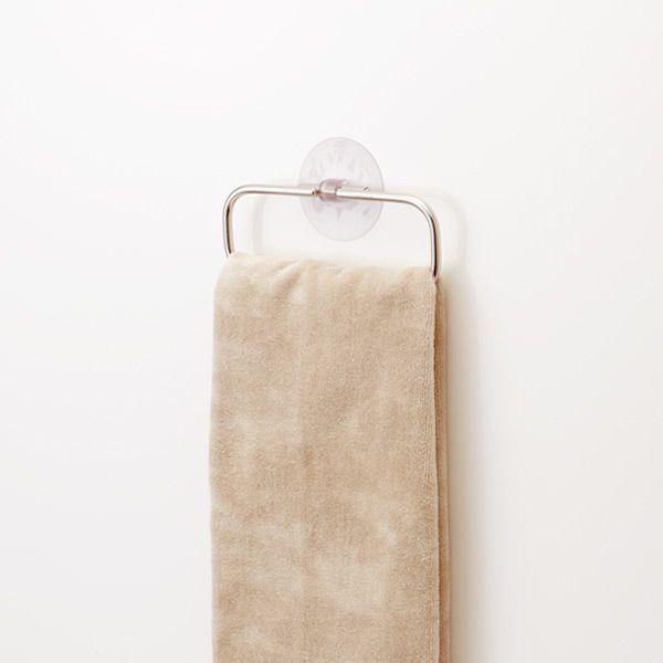 どんな雰囲気にもなじむシンプルなデザインのタオル掛け。。KEYUCA(ケユカ) LF 吸盤 タオルリング[タオルハンガー/タオル掛け/タオル干し/ふきん掛け/ふきんかけ/吸盤/おしゃれ/オシャレ/モダン/シンプル/デザイン/ステンレス/楽天]【RCP】