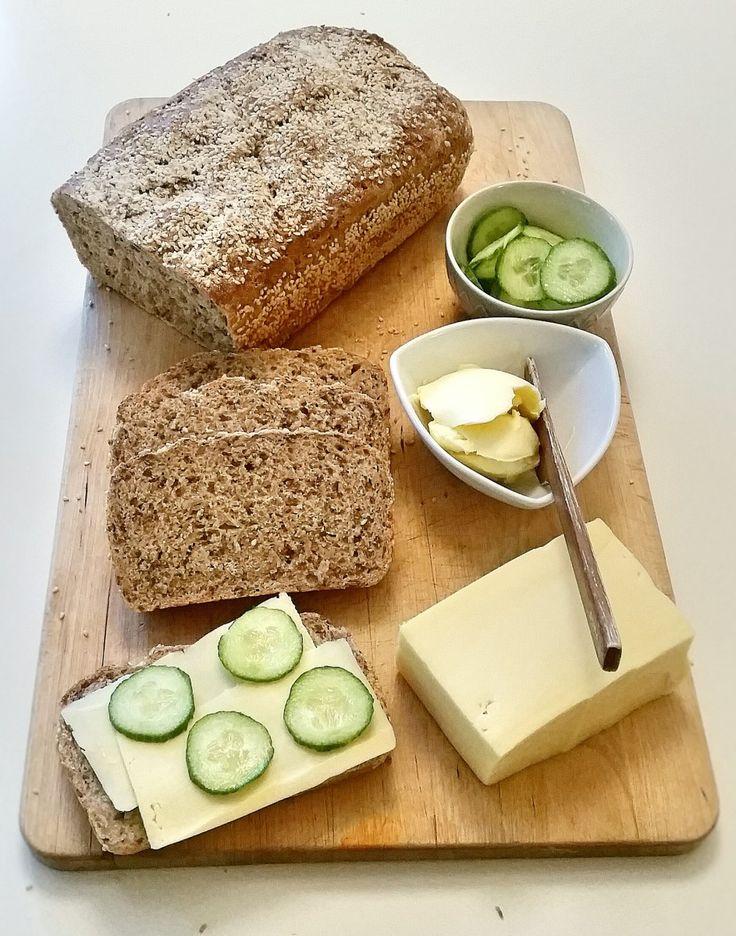 Grovt bröd med linfrö