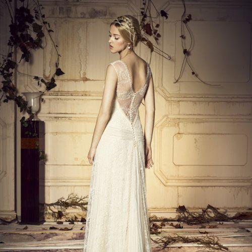 Imágenes y propuesats de vestidos de novia con espaldas al aire, de efecto tatto o transparentes