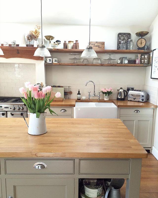 Hahka Happy Cottage Kitchen: Best 25+ Bungalow Kitchen Ideas On Pinterest