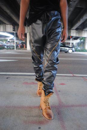Detalle de la cremallera de oro / negro pantalones de harén de entrepierna de gota de cuero / hombre Joggers hombres de cuero pantalones Vestido de cuero hecho a mano por GAG hilos negro