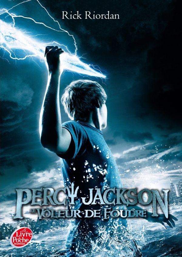Percy Jackson et le voleur de foudre de Rick Riordan | Les critiques du CDI Double clique sur l'image pour lire la critique.